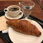 PAUL - クロワッサンとカフェ(コーヒー)
