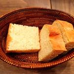 エノテカ ムーロ - パン