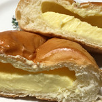 ホームベーカリー麦 - クリームパンの断面