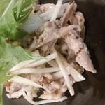 晴れる屋 - 日替わり季節のおすすめから 『鶏セセリとうどの粒マスタード和え』