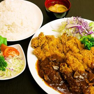 洋食・定食・丼など、ランチにオススメです!