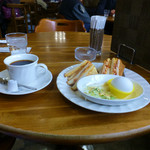 喫茶 シュシュ - 料理写真:ブレンドコーヒーとモーニングサービス(エッグトースト)