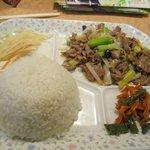 大明担担麺 - 日替わりランチは700円で毎日A・Bの2種類用意されてます、この日のA定食を注文しました。