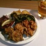 ワイン食堂wabisuke - [料理] 鶏ももの唐揚げ セット全景♪w ①