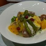 健食優菜 ひら - チョリソーとラフランスのサラダ