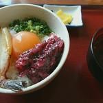 天満屋 - 梅くらげとあぶり焼きふぐの玉子かけごはん ¥680