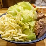 61599524 - 背脂野菜らあめん   チーズ・コッテリ・ニンニク