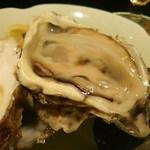 ザ・ベイスメント - 生牡蠣