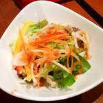 リゾッテリアプレジス - ランチのサラダ。