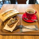 ブロートバール セセシオン - カレーヴィエノワサンド・きのこのタルティーヌ・コーヒーレギュラーサイズ
