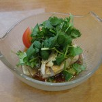天鳳 - 蒸し鶏のパクチーソース(冷)