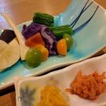 磯料理 竹波 - 湘南野菜の盛合せ オリジナルディブがまた旨い!