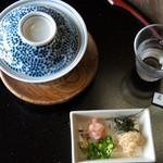 辰巳屋 - 鰊の茶蕎麦と薬味
