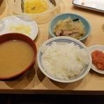 博多ふくいち - 〆のセット(ごはん、味噌汁、つけもの、明太子)