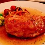 ロックハリウッド - 『鶏のなんちゃらww』様(名前も値段も忘れたw)パリッとした皮の食感に少し甘味あるソースがいい感じにシュワ泥棒
