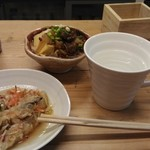 琉球立飲酒場 - 肉豆腐が石垣牛筋肉でおいしい