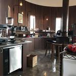 CAZAN珈琲店 - 店内の奥にある、焙煎工房