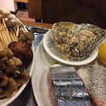 ヴィアミノ - 料理写真:今日の単品メニューの食材[キノコ、牡蠣、鰆、鮭 ]牡蠣をお願いしました。