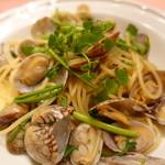 ピッツェリア・サバティーニ - 殻付き浅蜊とセリのスパゲッティ
