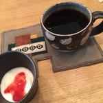 イマソラ珈琲 - カレーの後のヨーグルト&イマソラコーヒー