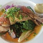 Restaurant L LOTA - やんばる若鶏の骨付きもものコンフィー
