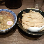六厘舎 TOKYO - つけ麺(830円)