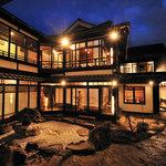 鳥蔵別邸 東屋 - 母屋は京都を感じさせる美しい佇まい