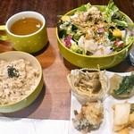 菜食バル あじゅ - サラダセット 900円