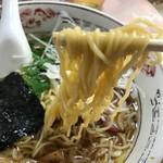 ザ・ラーメン屋 - 細い縮れ麺の醤油味