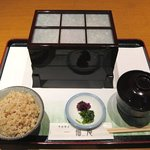 一福庵 - 二段弁当(ミニ天ぷら、ドリンク付:1800円)