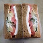 ワズ サンドイッチ - サーモンとディルポテトサンド