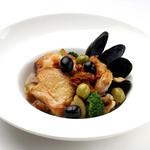ダンスキューブ・カフェ - 大山鶏とムール貝のソテ-ローズマリー風味