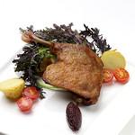 ダンスキューブ・カフェ - ハンガリー産鴨腿肉のコンフィ-ヴィオレットマスタード添え