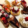 アグネスカフェ - 料理写真:いつも悩む〜❤   エレガントなケーキです。