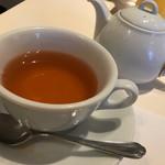 アグネスカフェ - 私は紅茶にしました。  ティーポットが付いてランチは1100円です♪