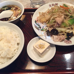 生駒軒 - 肉野菜炒め830円