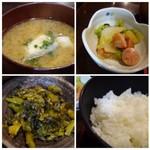 俺の魚を食ってみろ!! - ◆アラ汁・・アラタップリで普通に美味しい。 ◆小鉢・・ウインナーと白菜炒め。 ◆高菜 ◆ご飯・・普通。