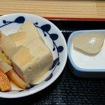うま味処 つるき屋 - うま味処 つるき屋 @本蓮沼 本日の定食に付く煮物とらっきょう