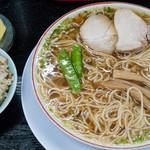 みずさわ屋 - ランチセット(中華そば・並+肉ご飯+お新香):810円(税込)/2017年1月