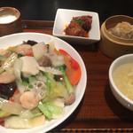 紅虎餃子房 - 海鮮あんかけ焼きそばセット