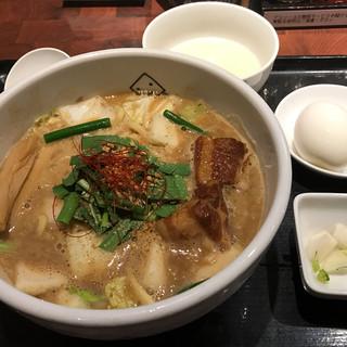 Miso Noodle Spot 角栄 - 料理写真: