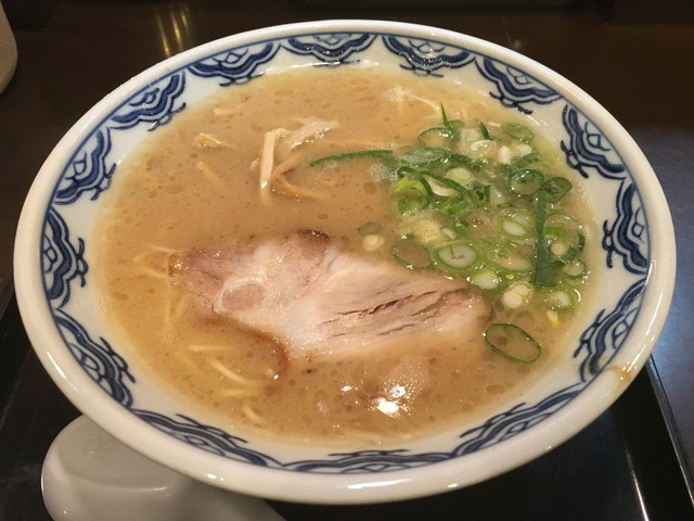 博多麺房 赤のれん - らぁめん