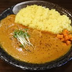 マハカラ・カレー - 赤(トマト)カレーの豚肉入り