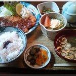 6170966 - とんかつ定食(900円)