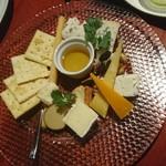 Gastro Sukegoro - チーズの盛り合わせ
