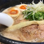 らーめん 伊藝 - 豚骨魚介らーめん 味玉入り  麺かため