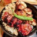 鳥与志 - 焼き鳥丼
