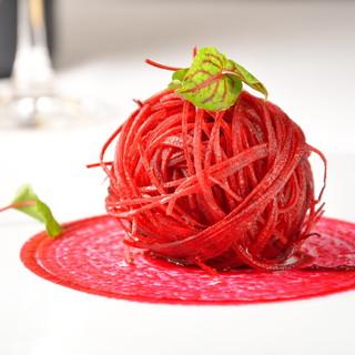 ◆目で舌で楽しめ、しっかり食事を楽しめる「一皿」を提供