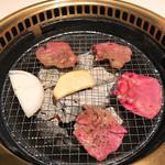 清香園 - 炭火は高評価