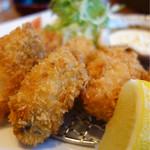 大戸屋 - 料理写真:小振りながら美味い牡蠣フライ